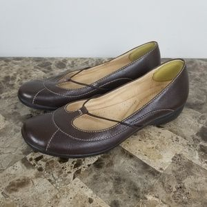 Natural Soul  ▪Navana Leather Flats Flats are in e